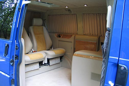 Complete car world volkswagen multivan for Vw t4 interior designs